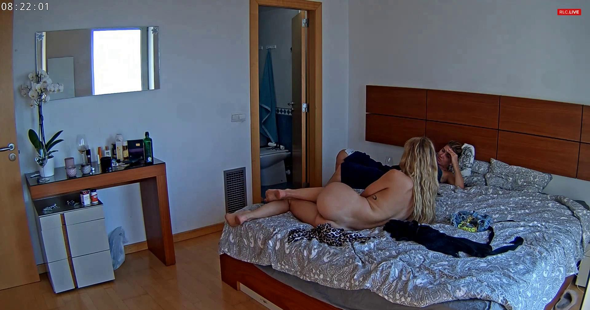 Reallifecam Gina and Stella and guest girl relax time and talking 28 07 2021